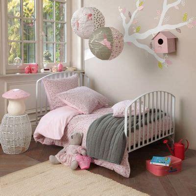 univers chambre bébé deco chambre bebe fille et gris