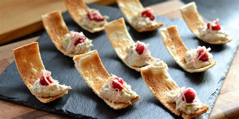 traditional canapes smoked mackerel pâté canapé recipe great chefs