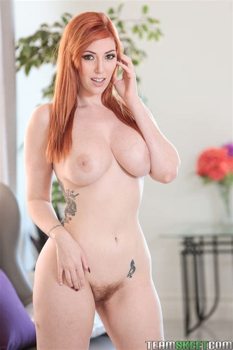 Busty Redhead Lauren Phillips Sexy Gallery Full Photo Sexyandfunny Com