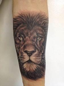 Tattoo von Tattoo Shimizu | Lion forearm tattoos, Forearm ...