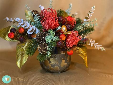 Mākslīgo ziedu kompozīcija ar vāzi. - Fioro - kvalitatīvi ...