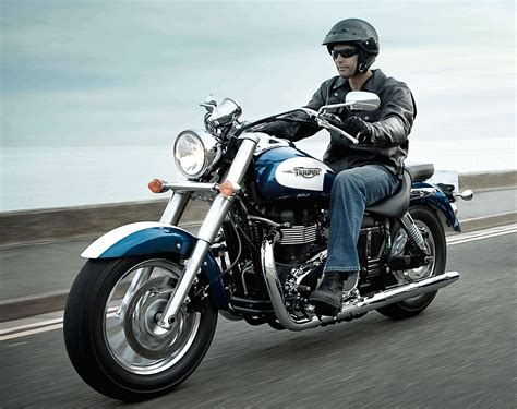 Review Triumph by 2013 Triumph America Review
