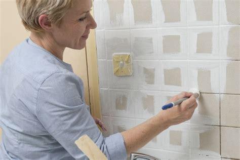 peindre du carrelage mural de cuisine comment repeindre le carrelage de la cuisine bricobistro