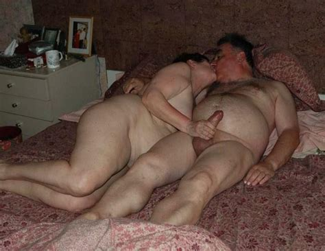 Mature Exhibitionist Couple Picture Uploaded By Dave On ImageFap Com