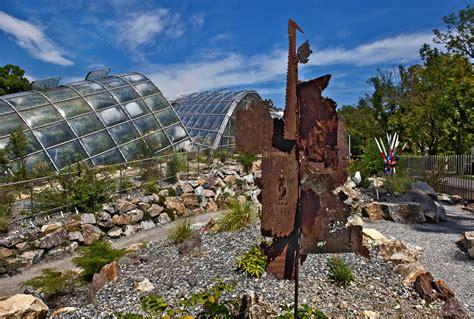 Garten Kaufen Graz by Botanischer Garten In Graz Mit Skulptur Quot No Return Quot