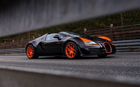 The bugatti chiron was the immediate successor of the bugatti veyron and there's no doubt that its creation was directly influenced by the bugatti veyron. Bugatti Veyron 16.4 Grand Sport Vitesse Takes Convertible Top-Speed Crown