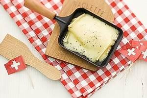 Schweizer Raclette Gerät : klassisches schweizer raclette mit zwiebelsalat rezept mit bild ~ Orissabook.com Haus und Dekorationen