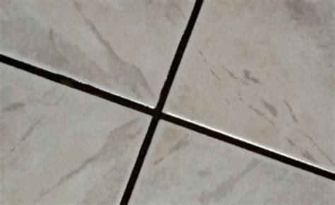 nettoyer joint carrelage cuisine comment nettoyer très rapidement les joints encrassés de