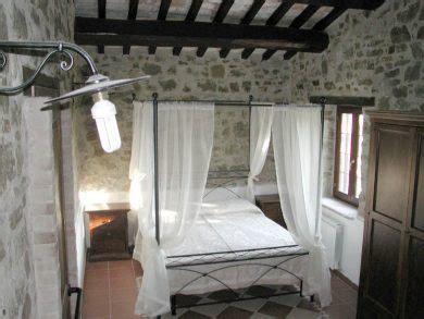 Tendaggi Antichi La Contessa Un Agriturismo Ad Assisi Provincia Di
