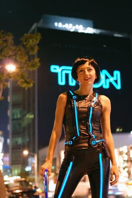 technology fashionista creates  tron legacy quorra