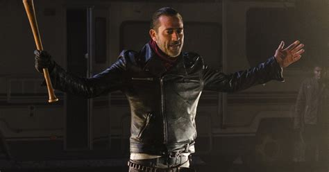 this new quot walking dead quot trailer features only negan and lucille and we re worried