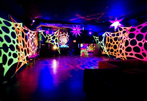 black light glow party this is how you decorate with uv for a blacklight party