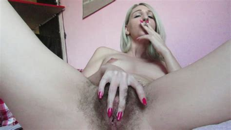 Manyvids Presents Cuteblonde666 – Smoking And Fingering My