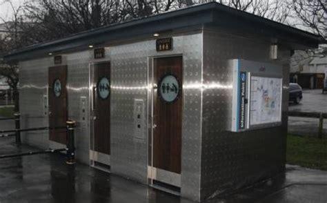 exclusive public toilets    closed blog preston