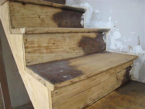 nettoyer escalier bois comment decaper un meuble ancien comment nettoyer escalier bois la