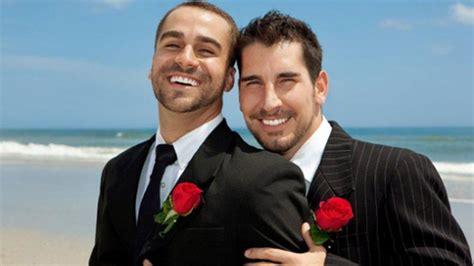 Reduce Egipto Pena A 8 Hombres Por Participar En Boda Gay