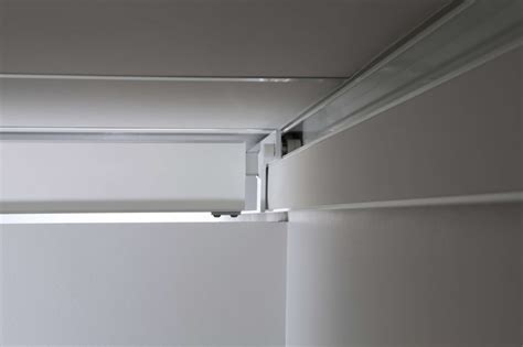 benefits of a wall mounted rail system for ceiling hoists
