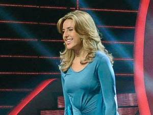 American Woman Wows 'Arabs Got Talent,' Moves into Finals ...