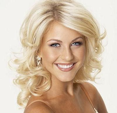 Julianne Hough Formal Wavy Hairstyle   Prom, Party, Formal