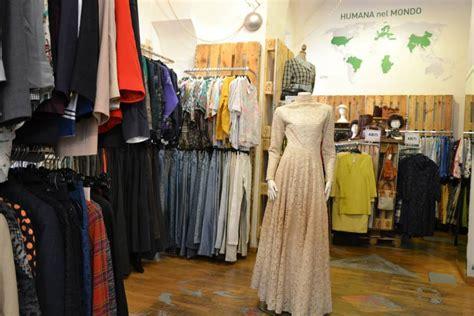 arredi per negozi di abbigliamento arredo negozio abbigliamento mobili in pallet