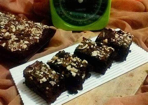 Para pecinta dan penikmat kue tentunya sudah mengenal brownies kukus yang terbuat dari coklat dengan citarasa. Resep Brownies Panggang oleh Vita Ruriyani Romzah - Cookpad