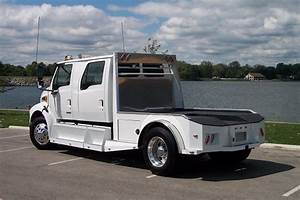 FREIGHTLINER SPORTCHASSIS CALL ( 800 ) 214-6905