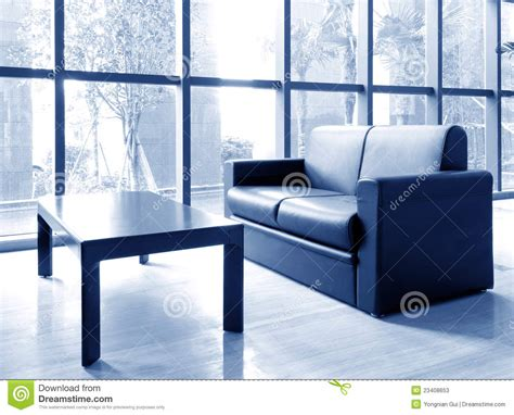 lumi鑽e bureau bureau du sofa et des couloirs photos stock image 23408653
