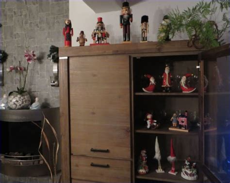 wohnzimmer farben rot