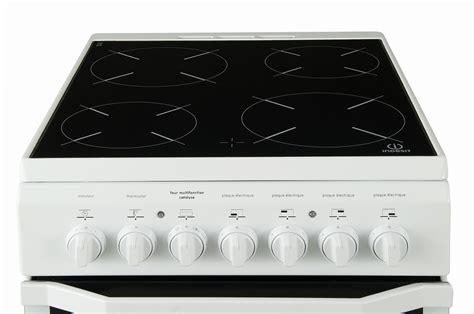 soldes cuisine equipee cuisinière vitrocéramique indesit i5vmc1a w fr 4012526 darty