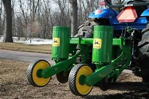 Refurbished John Deere 71 Series 2 Row Corn Planters
