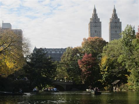 Central Park Rowboat Rental by Pay A Visit Finally Renting A Rowboat In Central Park