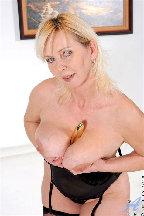 naughty anilos kimi tortures her cougar snatch with a dildo granny seduction