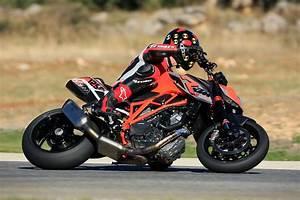 Duke 1290 R : ride review ktm 1290 super duke r asphalt rubber ~ Medecine-chirurgie-esthetiques.com Avis de Voitures