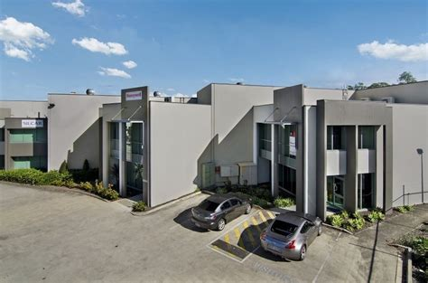 warehouse at murarrrie brisbane leased by tabcorp