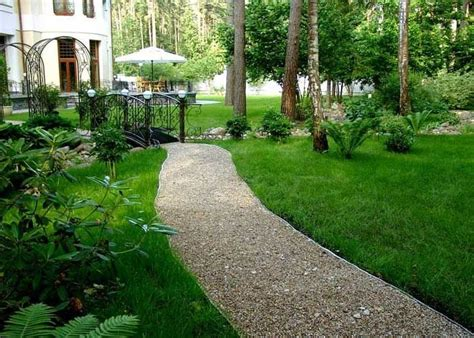 gravel garden paths gravel walkway house of dreams pinterest