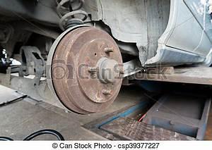 Tambour De Frein Bloqué : roue tambour moyeu voiture syst me rouill frein photo de stock rechercher images et ~ Gottalentnigeria.com Avis de Voitures