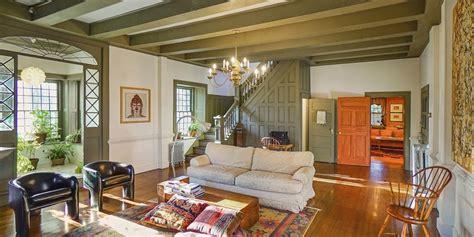 benjamin bruyn house historic farmhouse  sale  upstate  york