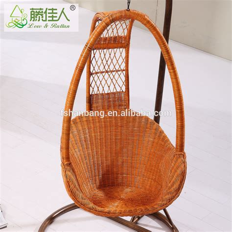 2016 new design rattan wicker hanging swing chair for