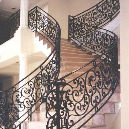 Model rustic de balustrada din fier forjat