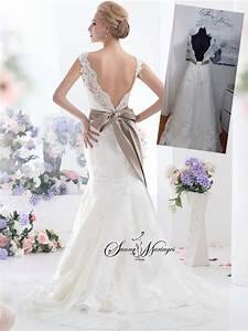 Robe de mariee en dentelle avec des bretelle ou des for Robe de mariée dentelle dos