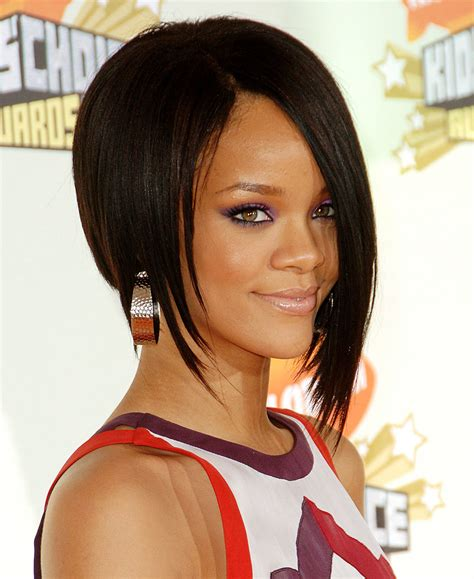 Rihanna Hairstyles: 8 Defining Looks (2008 to 2016 ...