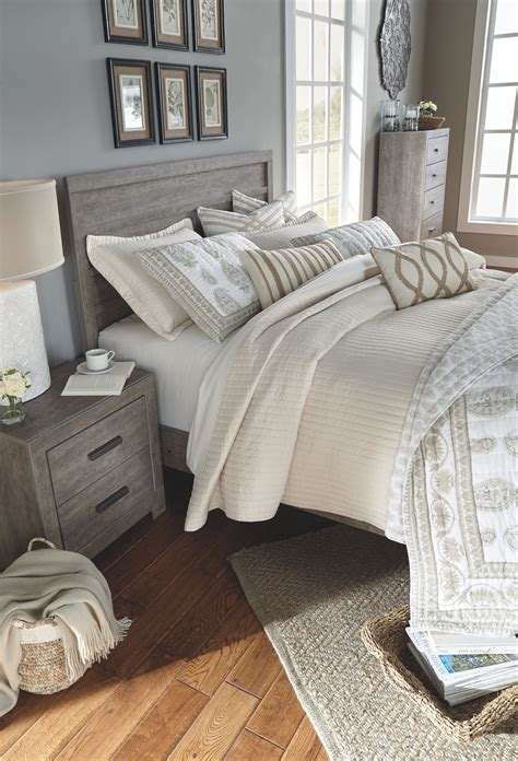 culverbach queenfull panel headboard   products