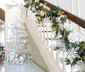 beautiful-christmas-tree-with-stair-ideas