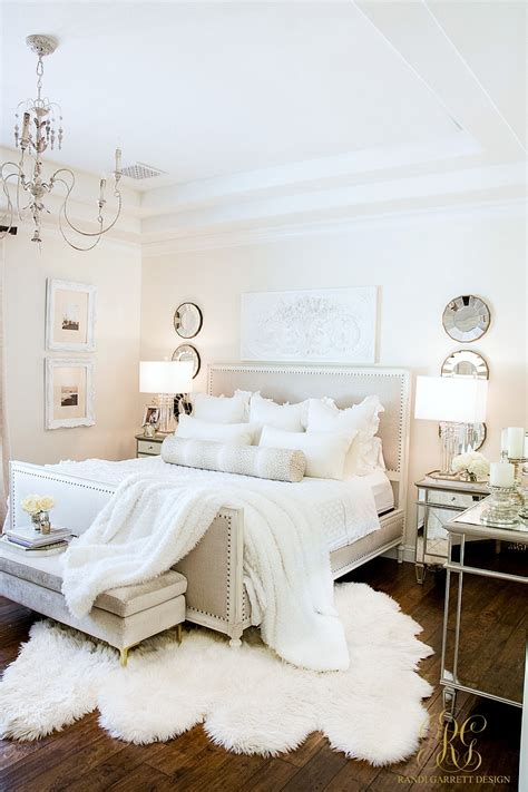 master bedroom styled  ways  summer tips
