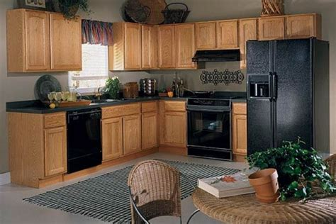 finding the best kitchen paint colors with oak cabinets oak trim kitchen