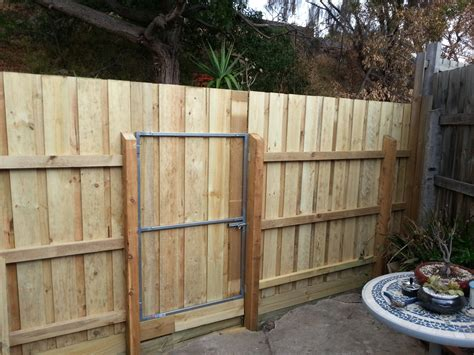 Fence - Gate : Timber Fencing & Gate Repair