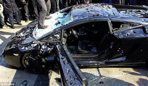 lamborghini smashed   technical problems daily