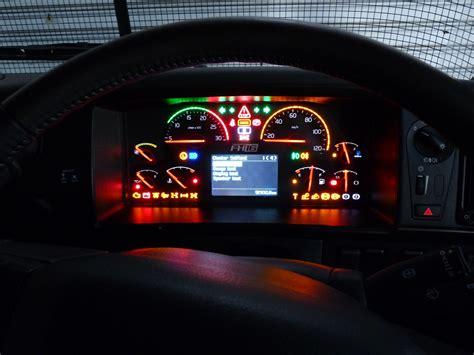 File:FH16 Mk2 dash display.JPG - Wikimedia Commons