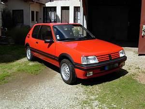 Peugeot Firminy : location peugeot 205 gti 1 6 de 1990 pour mariage loire ~ Gottalentnigeria.com Avis de Voitures