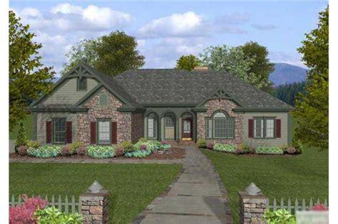 craftsman home   bedrms  sq ft house plan   tpc